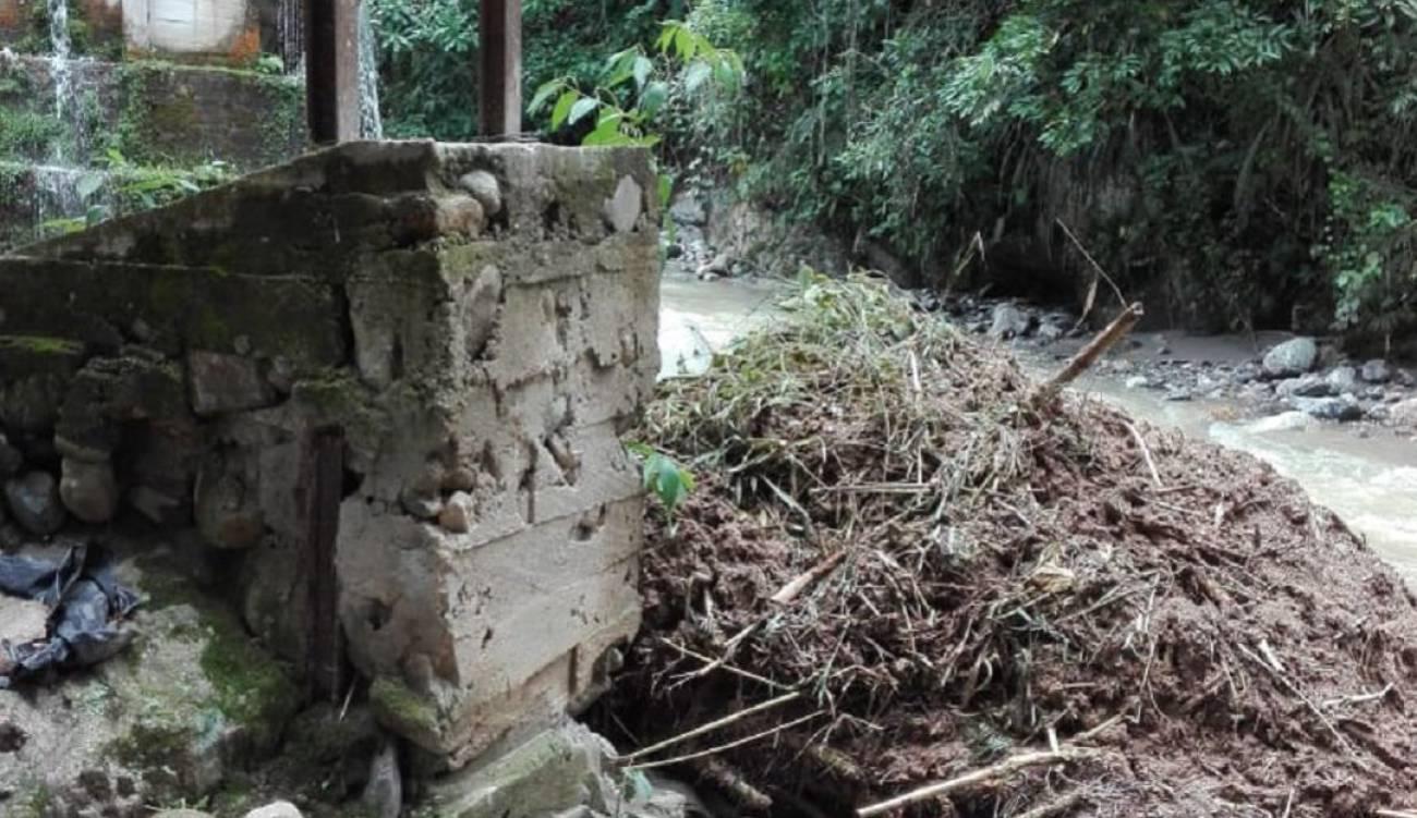 Suspenden clases tras las fuertes lluvias en Santander | EL FRENTE