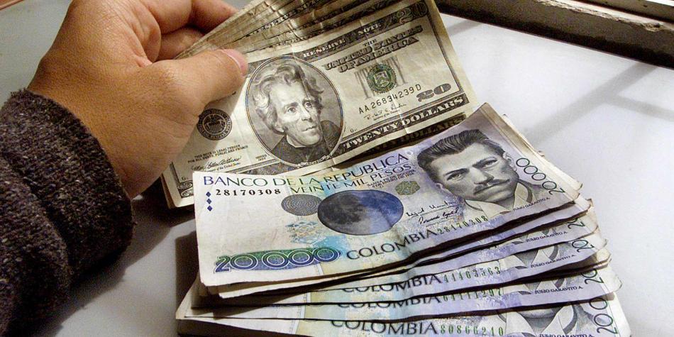 Dólar supera los 3.300 registrándose como el más alto del año  | Economía | EL FRENTE