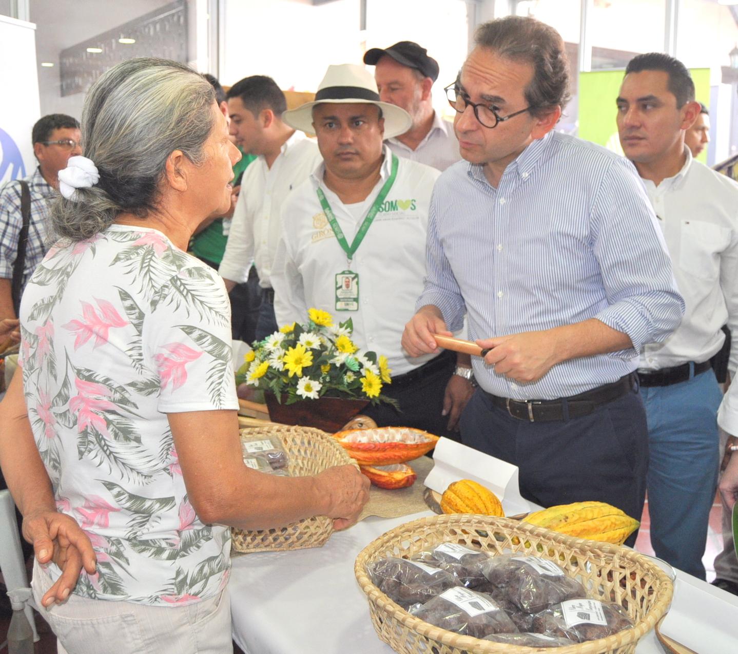 Visita de Ministro de Agricultura a Girón, Santander | Girón | Metro | EL FRENTE