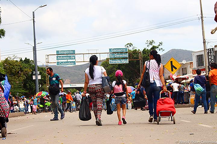 Hay un millón 174.000 venezolanos migrantes y refugiados en Colombia | EL FRENTE