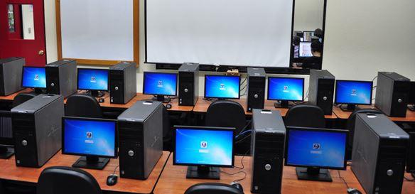 Estudiantes del colegio Salesiano estrenarán 50 computadores  | Metro | EL FRENTE