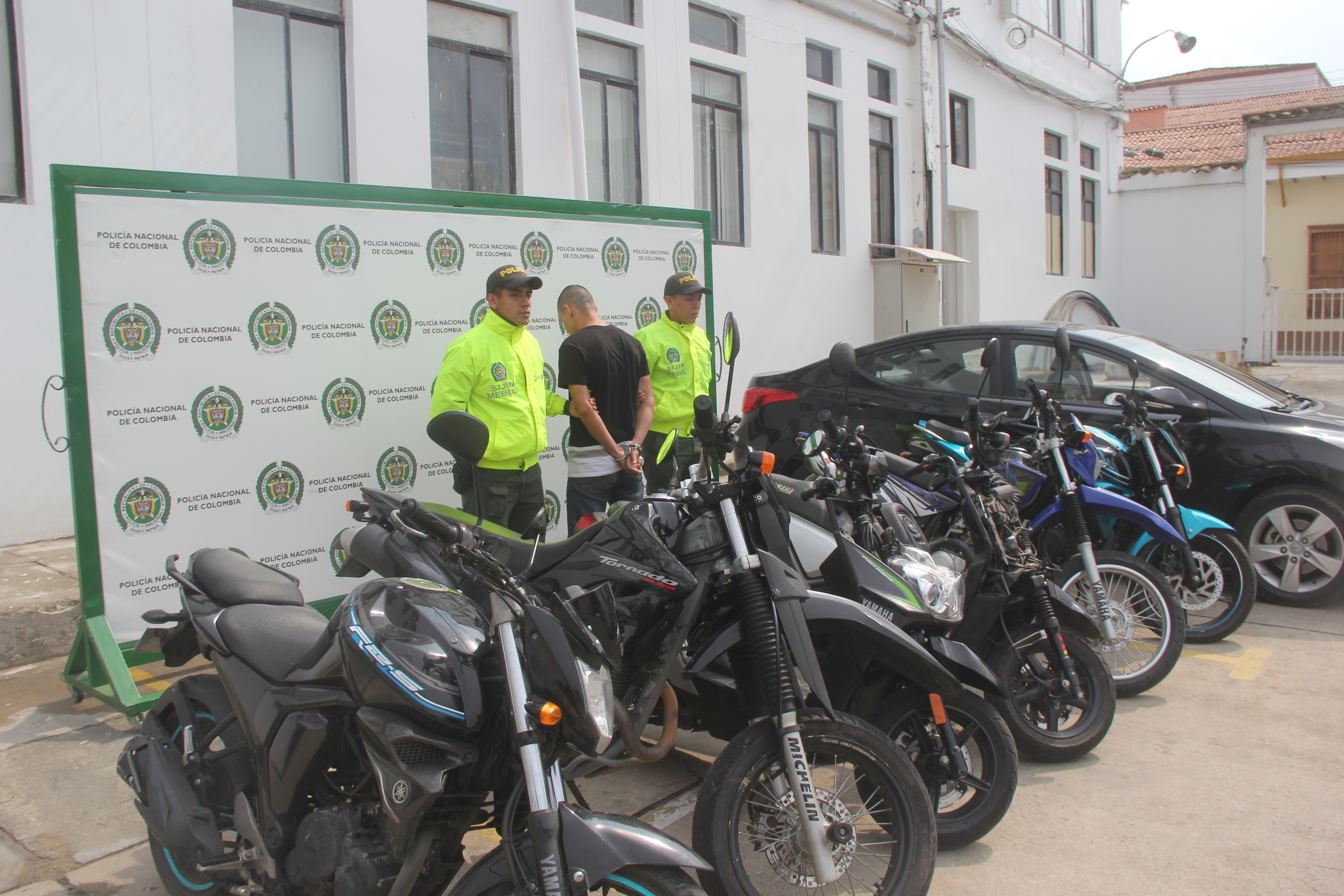 Policía recuperó seis motocicletas, un automotor y capturó a dos extorsionistas | Local | Justicia | EL FRENTE