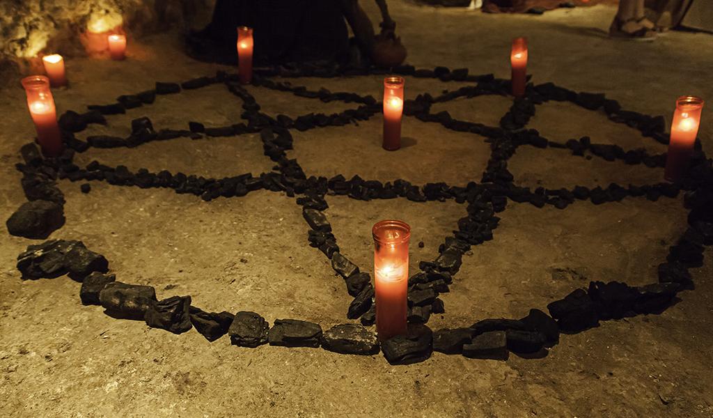 Le cortó el cuello a su novia por un ritual satánico | EL FRENTE