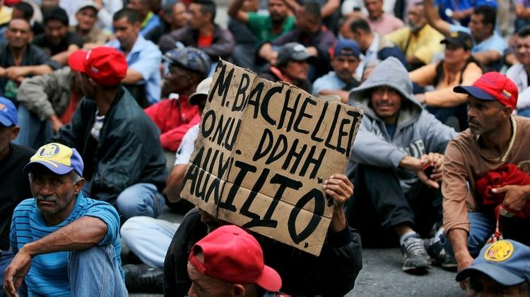 Venezolanos protestan para exigir derechos humanos mientras Michelle Bachelet está en el país | EL FRENTE