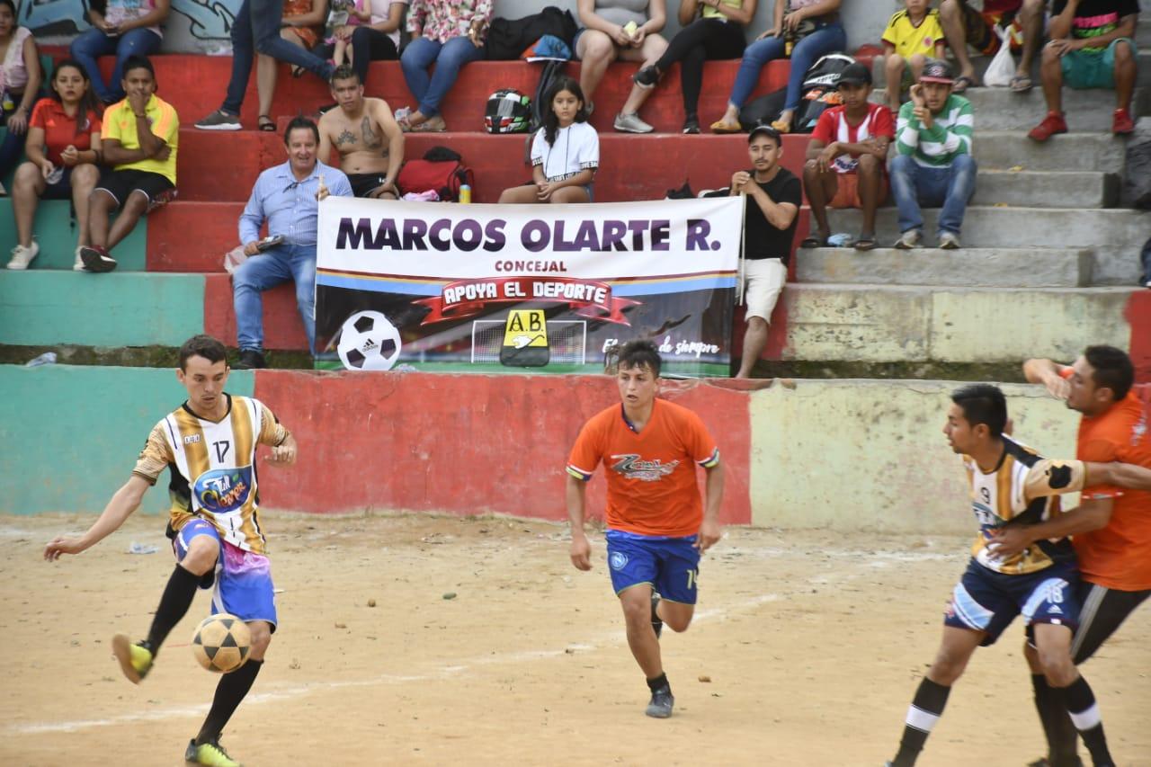Copa Marcos Olarte. Semifinales de futbolito en el barrio Alares | Local | Deportes | EL FRENTE