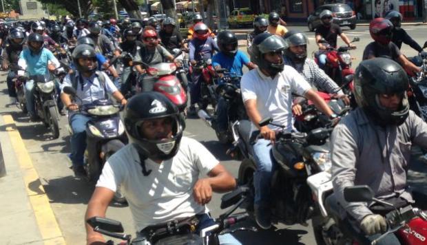 Las motocicletas ¿un medio de transporte mortal? | EL FRENTE