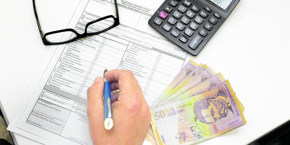 Hasta su casa llegaría la declaración de renta | EL FRENTE