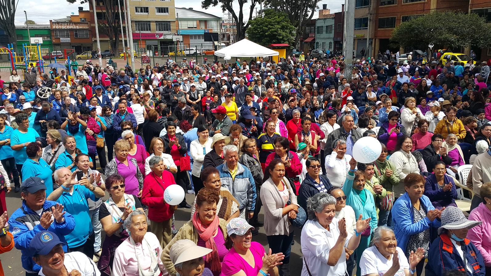 Uno de cada dos colombianos trabaja como informal. Cotizaciones en pensión cada vez más lejanas   | EL FRENTE