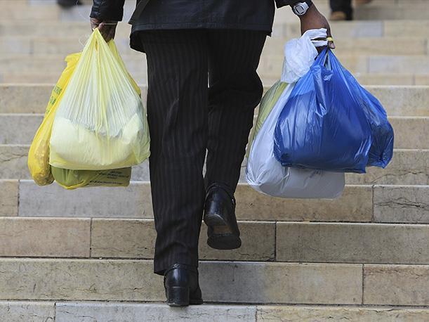 Colombianos redujeron el uso de bolsas plásticas a más del 50%   EL FRENTE