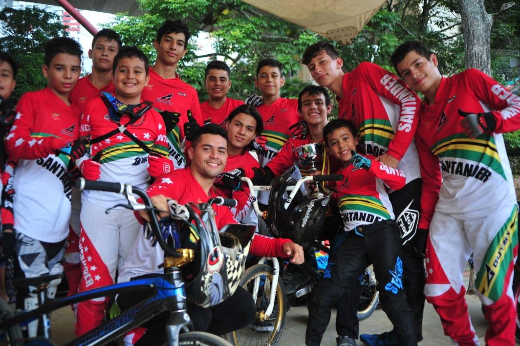 En Nacional de BMX, Santander logra título por equipos | EL FRENTE