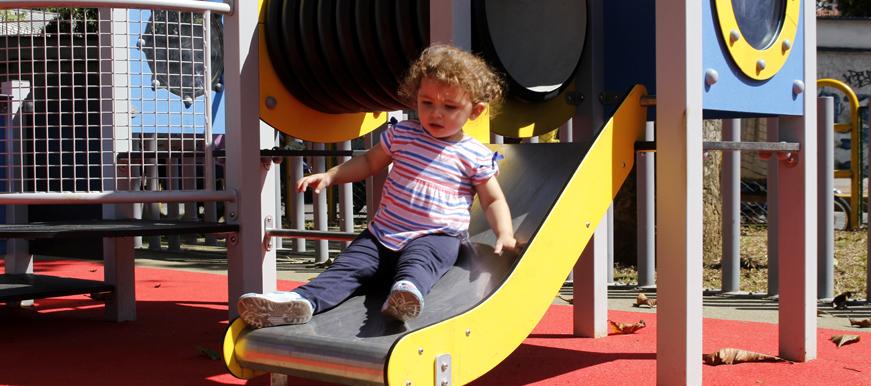 Parque infantiles en zonas populares   EL FRENTE