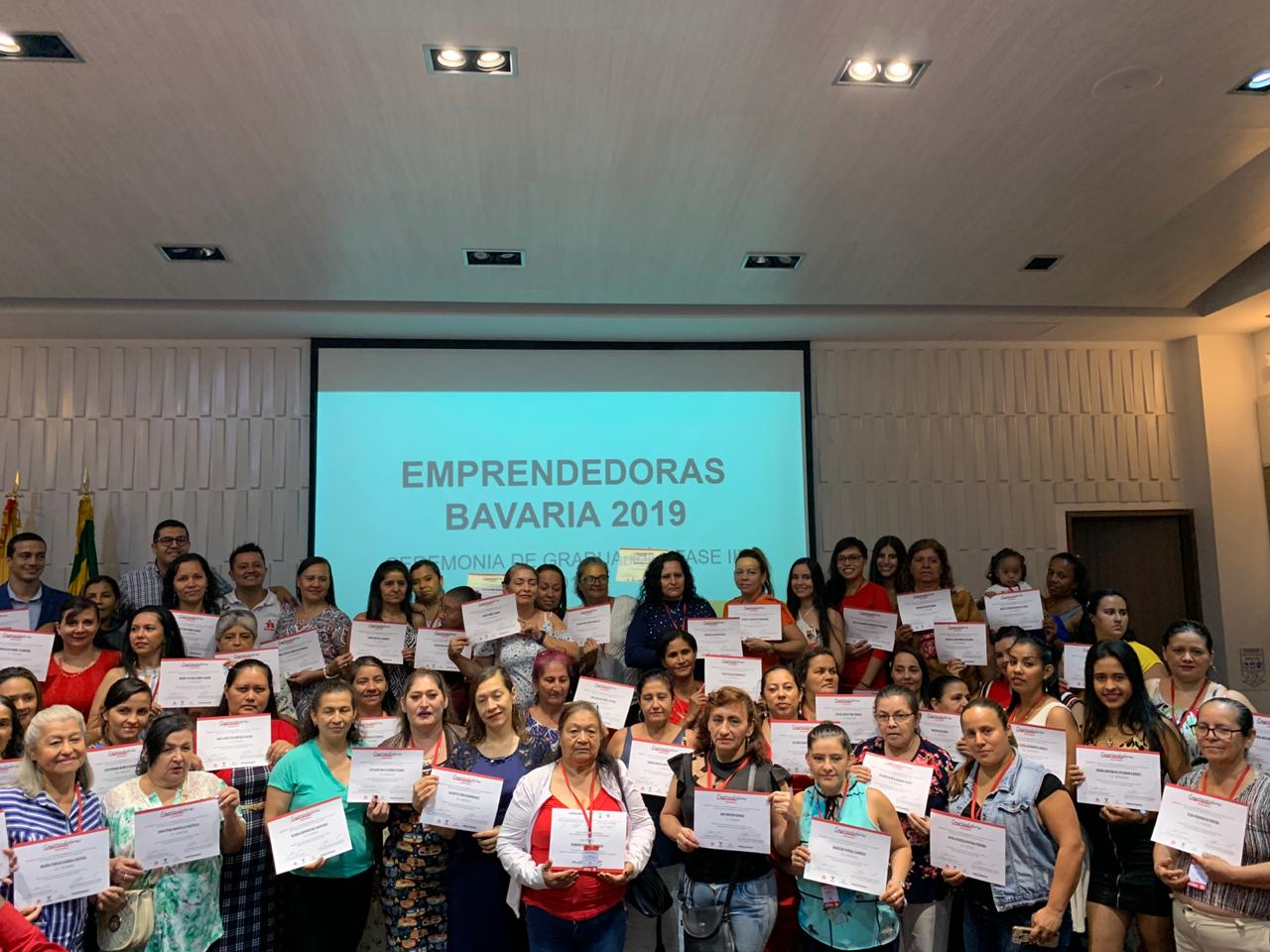 Capacitación en Bucaramanga y el Área Metropolitana. Programa de formación para 360 tenderas  | EL FRENTE