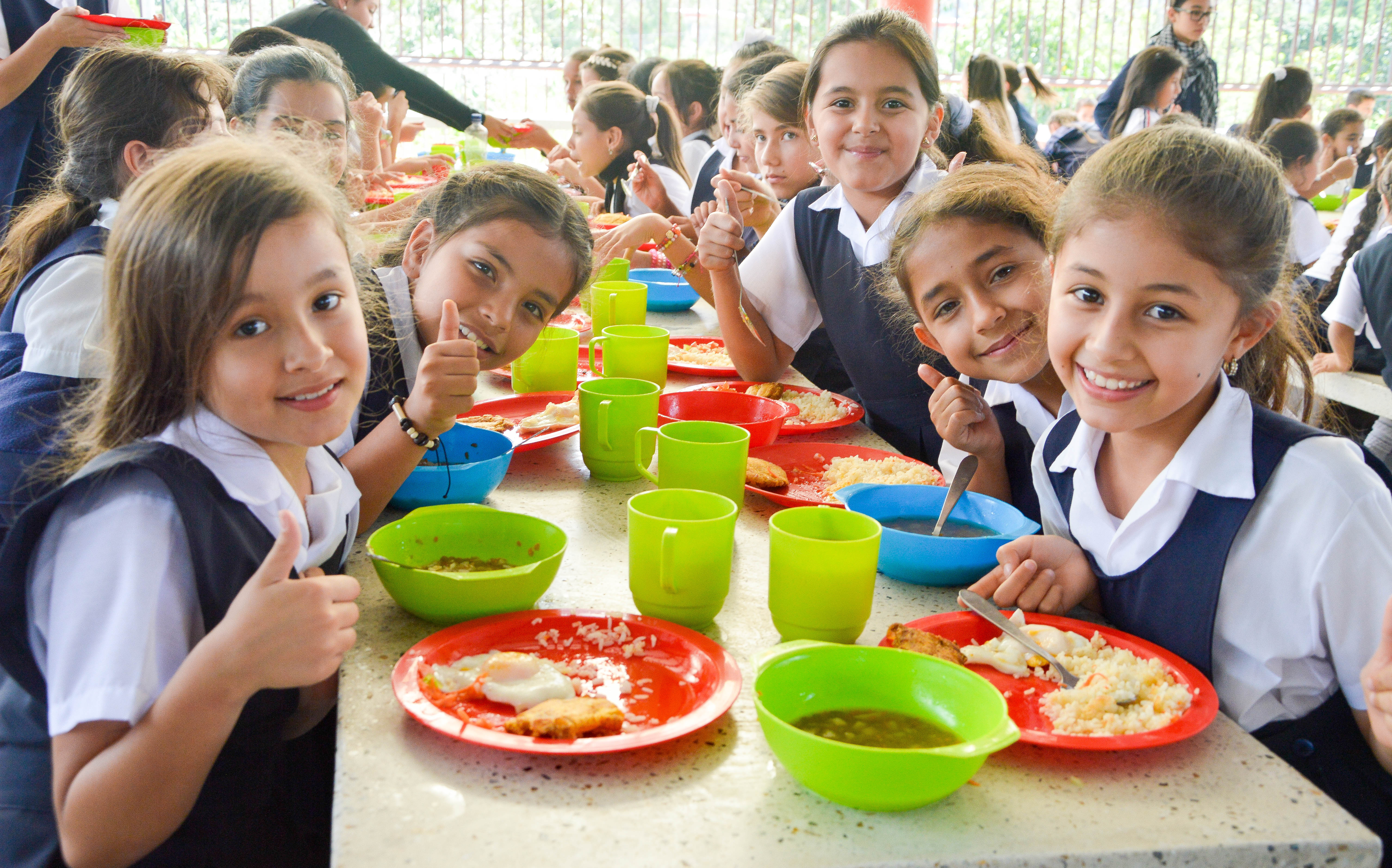 Adjudicado el PAE en Santander. Cuatro alianzas temporales alimentarán a los estudiantes  | EL FRENTE