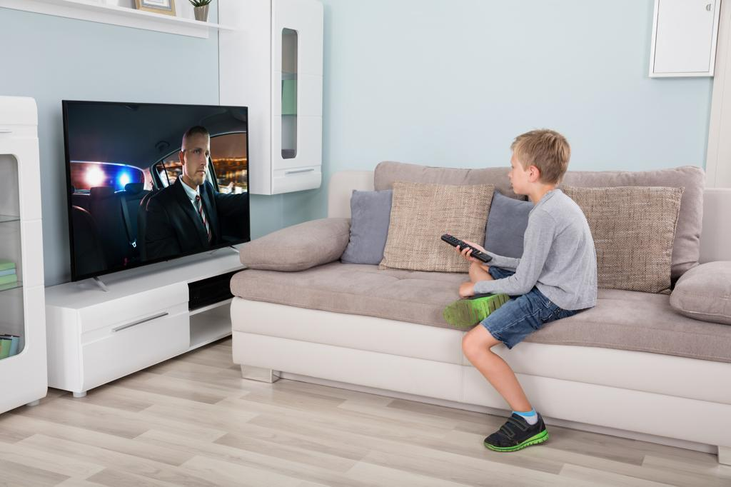 Los riesgos de exponer a los niños a una pantalla | EL FRENTE
