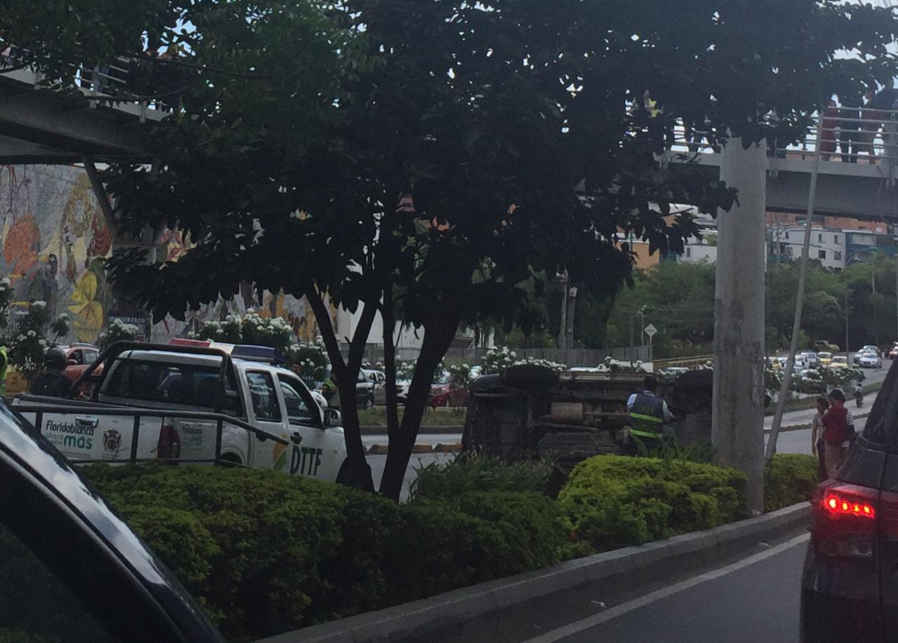 Exceso de velocidad deja conductor herido en la autopista Floridablanca  | Local | Justicia | EL FRENTE