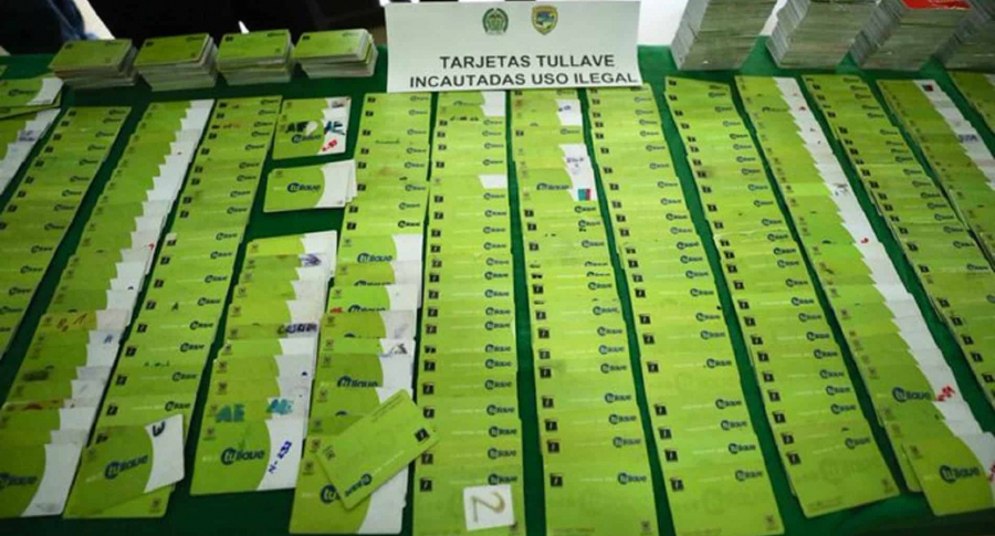 Delincuentes en un día vendían un millón en tarjetas falsificadas de Transmilenio | EL FRENTE