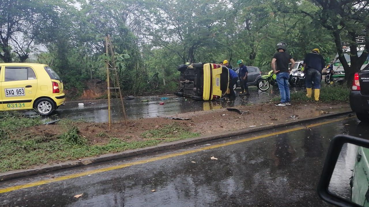 Accidente dejó gravemente herido a taxista en el Anillo Vial  | EL FRENTE