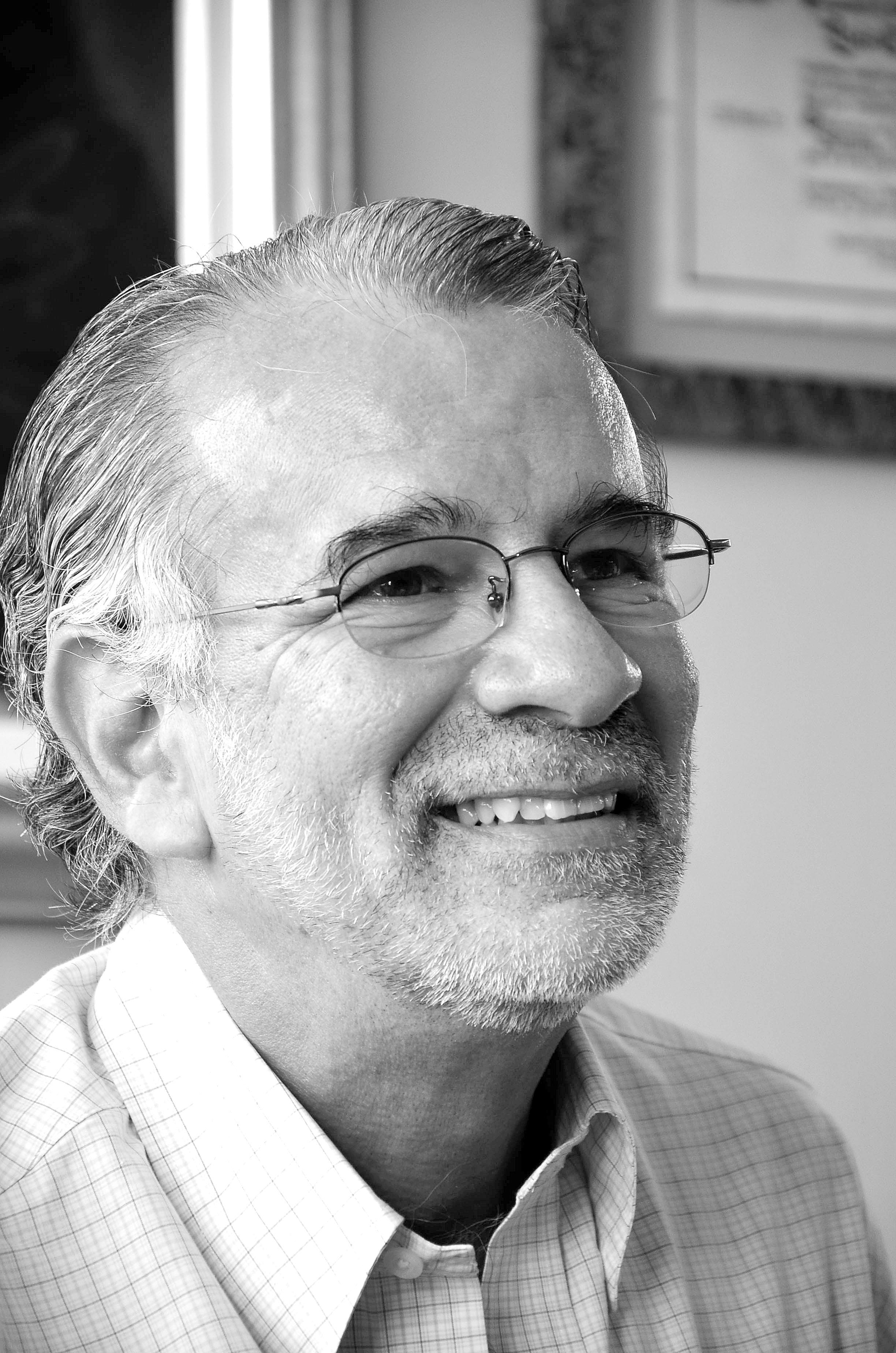 Revisemos Por: Eduardo Verano de la Rosa   EL FRENTE