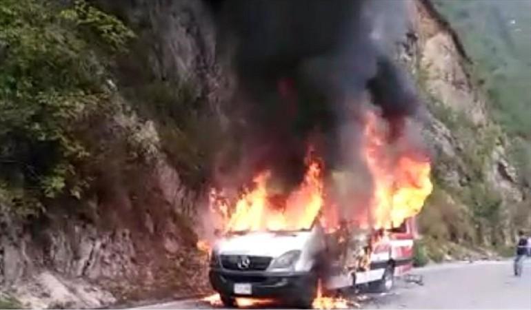 Buseta incinerada en el Catatumbo | Nacional | Justicia | EL FRENTE