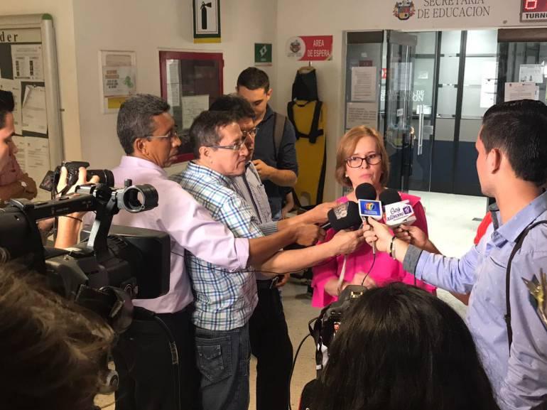 Alcaldía exige devolución de dineros a contratistas pícaros  | EL FRENTE
