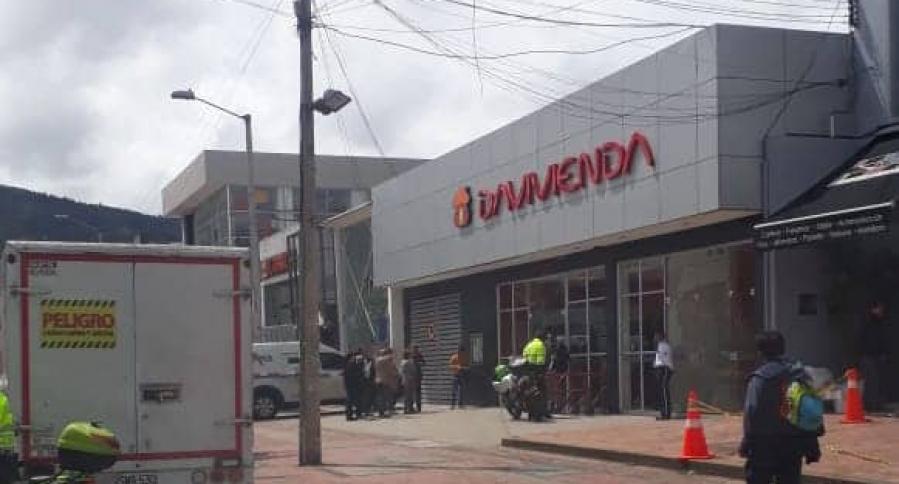 Atraco en banco Davivienda dejó un presunto ladrón muerto    Colombia   EL FRENTE