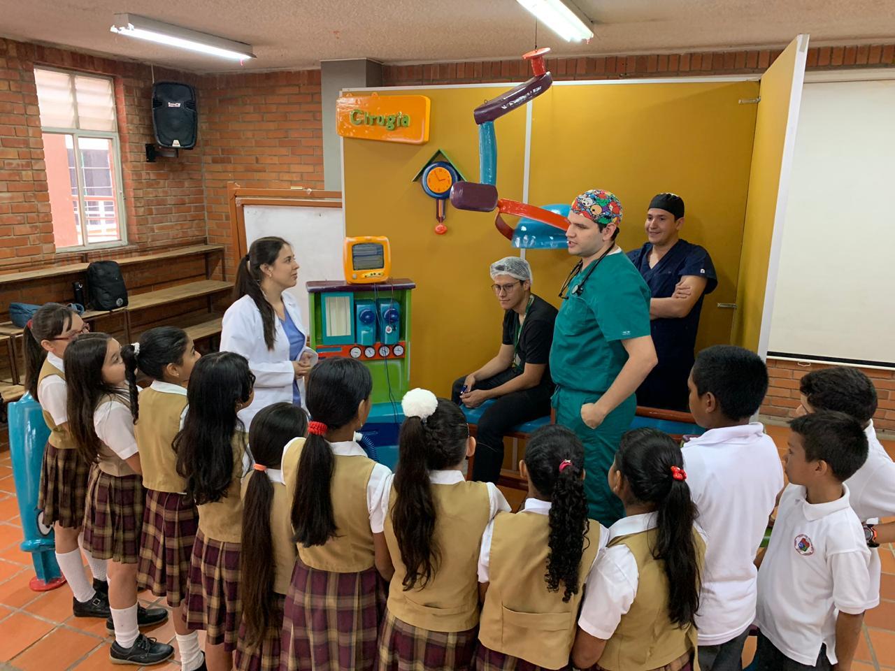UIS Capacita a meseros y niños de Bucaramanga. Mitos de la anestesia y cómo salvar vidas   Educación   Variedades   EL FRENTE