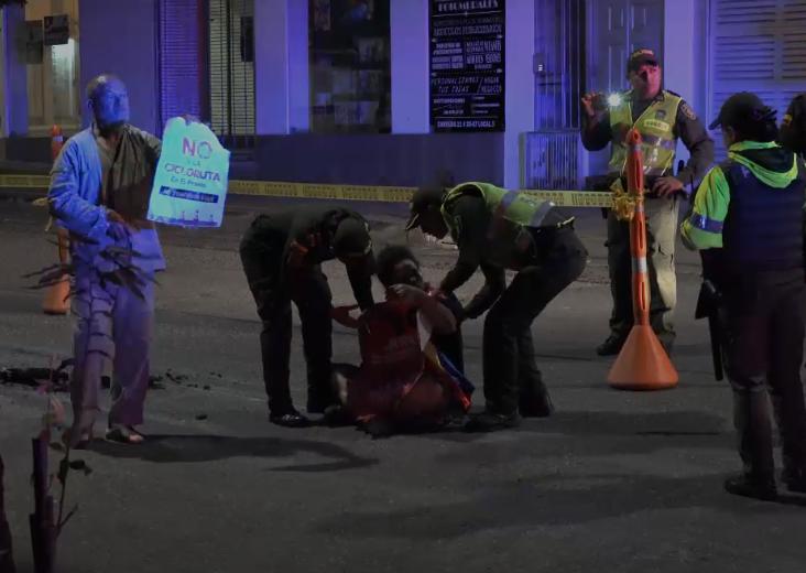 Policía detuvo a mujer que impedía obras en la ciclorruta   Justicia   EL FRENTE