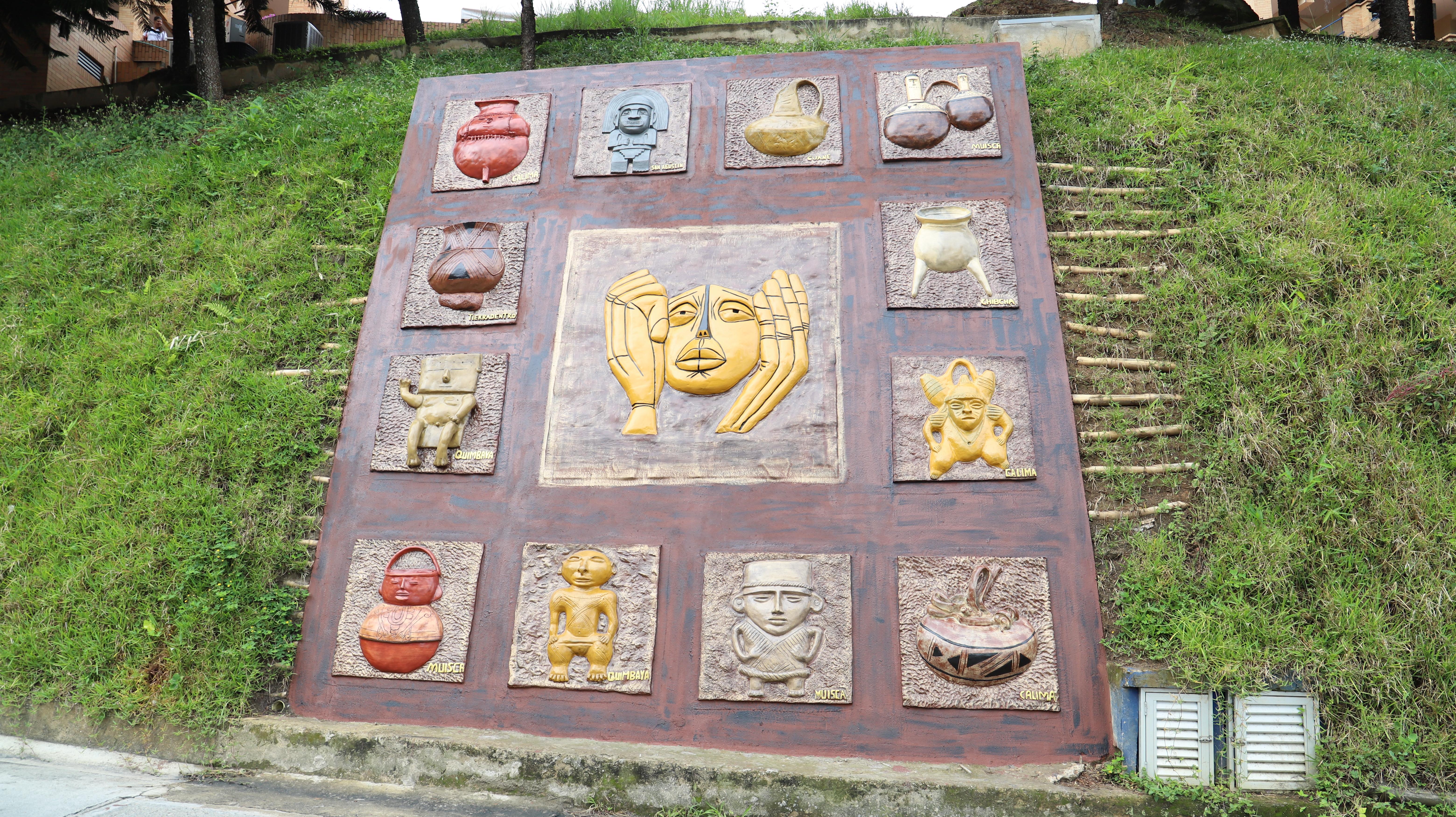 Arte precolombino en mural de la UDES   Educación   Variedades   EL FRENTE