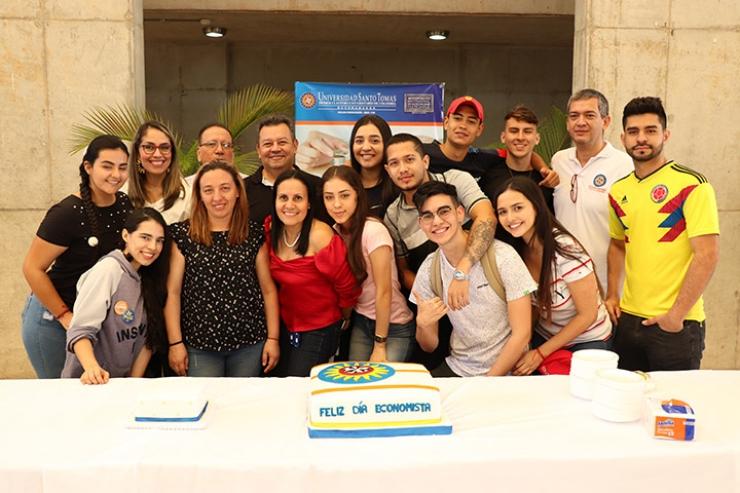Celebración del Día del Economista en la Santoto. No se ahorraron nada en el festejo | EL FRENTE