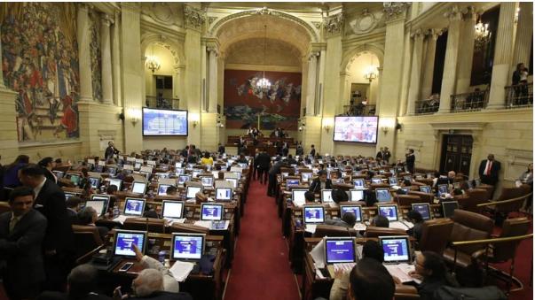 Congresistas tendrán que comenzar a pagar los gastos de sus teléfonos | Nacional | Colombia | EL FRENTE