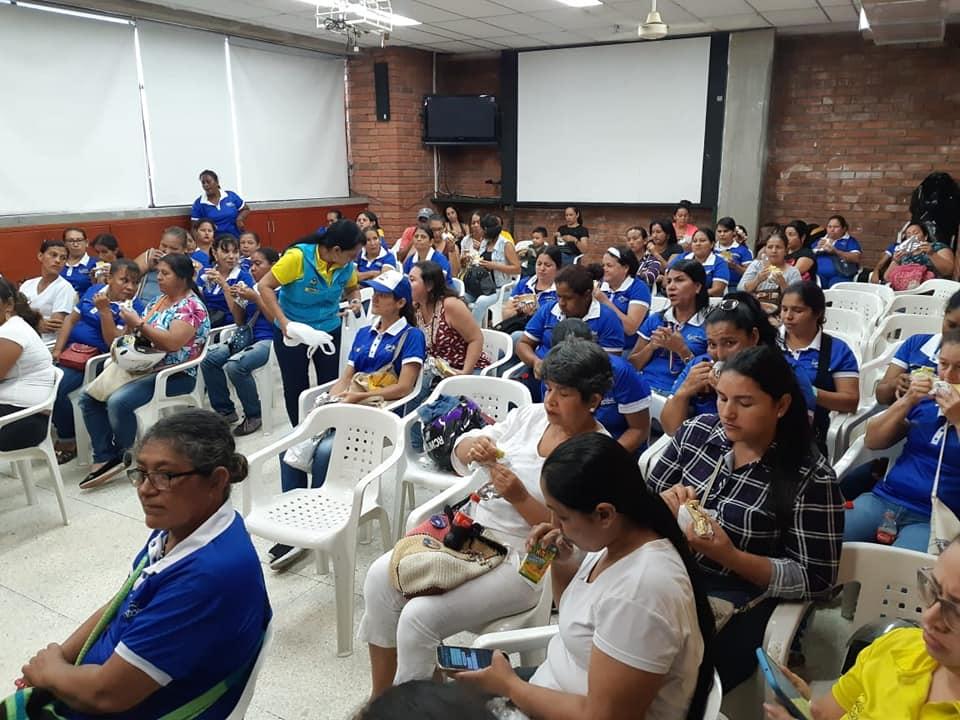 BREVES PORTEÑAS: Reunión de madres de Familias en Acción   EL FRENTE