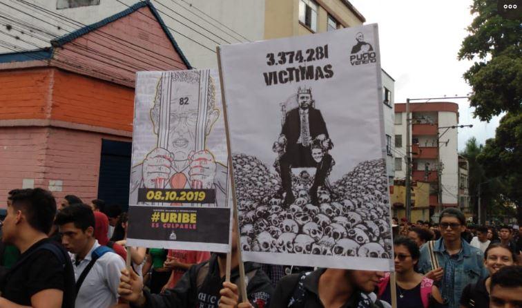 Estudiantes UIS realizan disturbios encapuchados   EL FRENTE