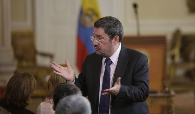 Ya está en la Casa de Nariño el embajador Francisco Santos | Nacional | Política | EL FRENTE