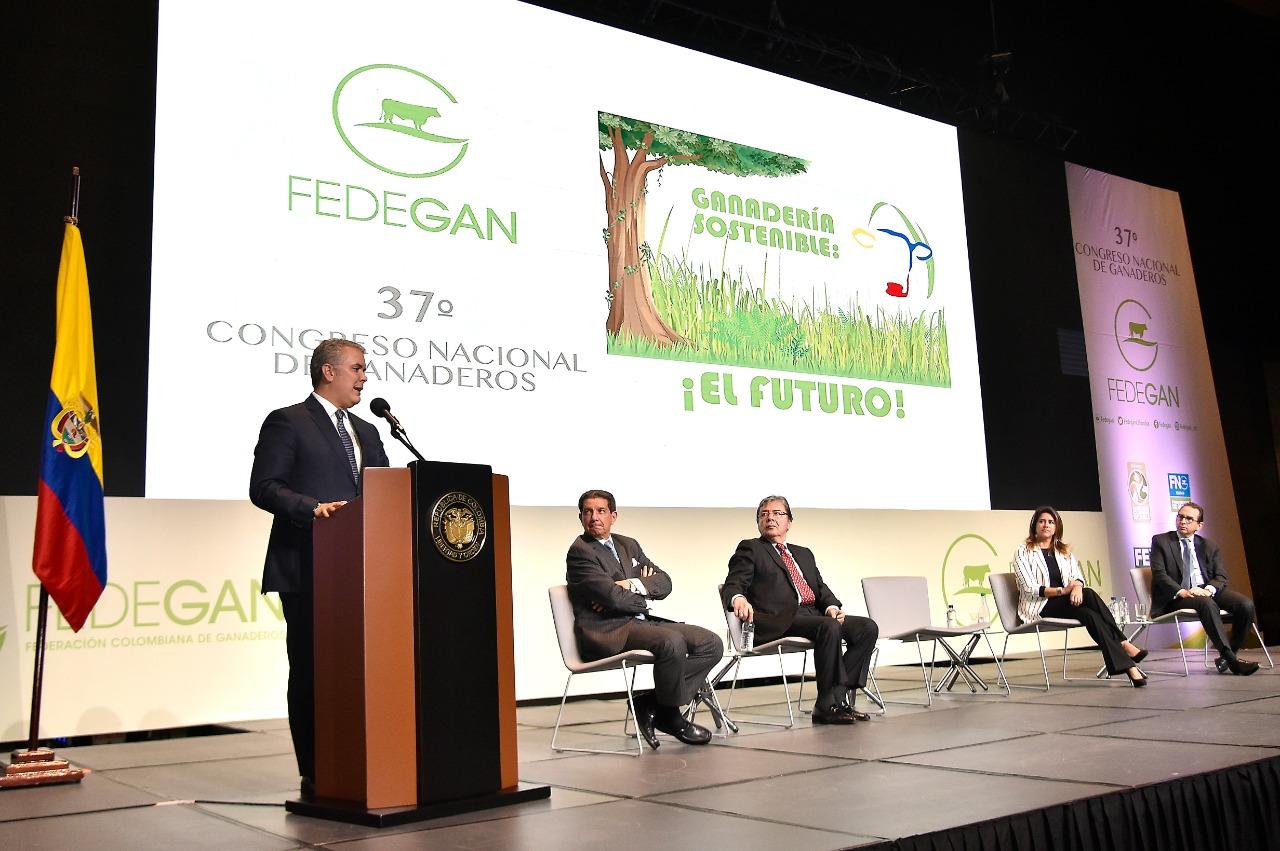 Cumbre ganadera histórica en Ágora Bogotá. Presencia de más de 1.700 productores  | EL FRENTE