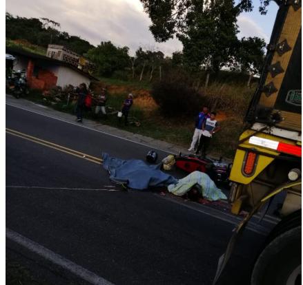 Pareja falleció en la vía San Gil - Bucaramanga  | EL FRENTE