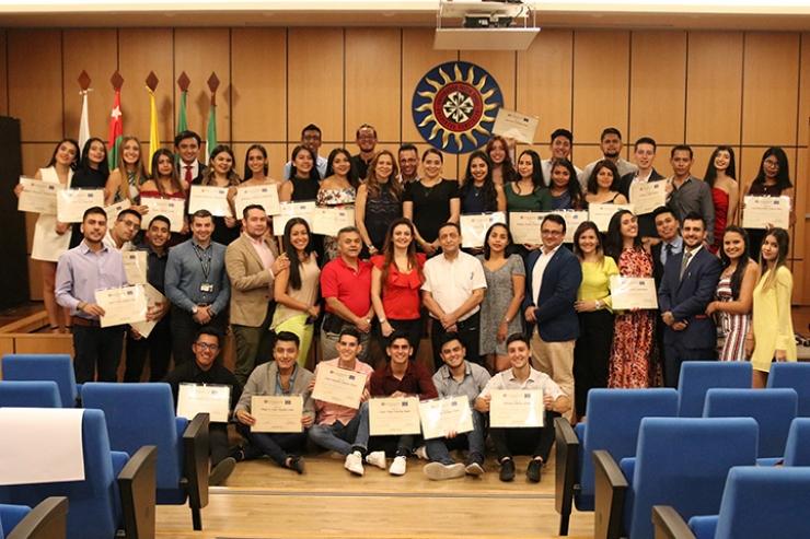 Despedida de estudiantes en la SANTOTO. Homenaje a alumnos de Movilidad Entrante 2019-II | Educación | Variedades | EL FRENTE