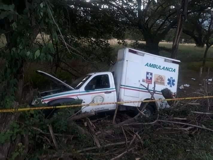 Ambulancia se estrelló y 4 personas resultaron muertas | Local | Justicia | EL FRENTE