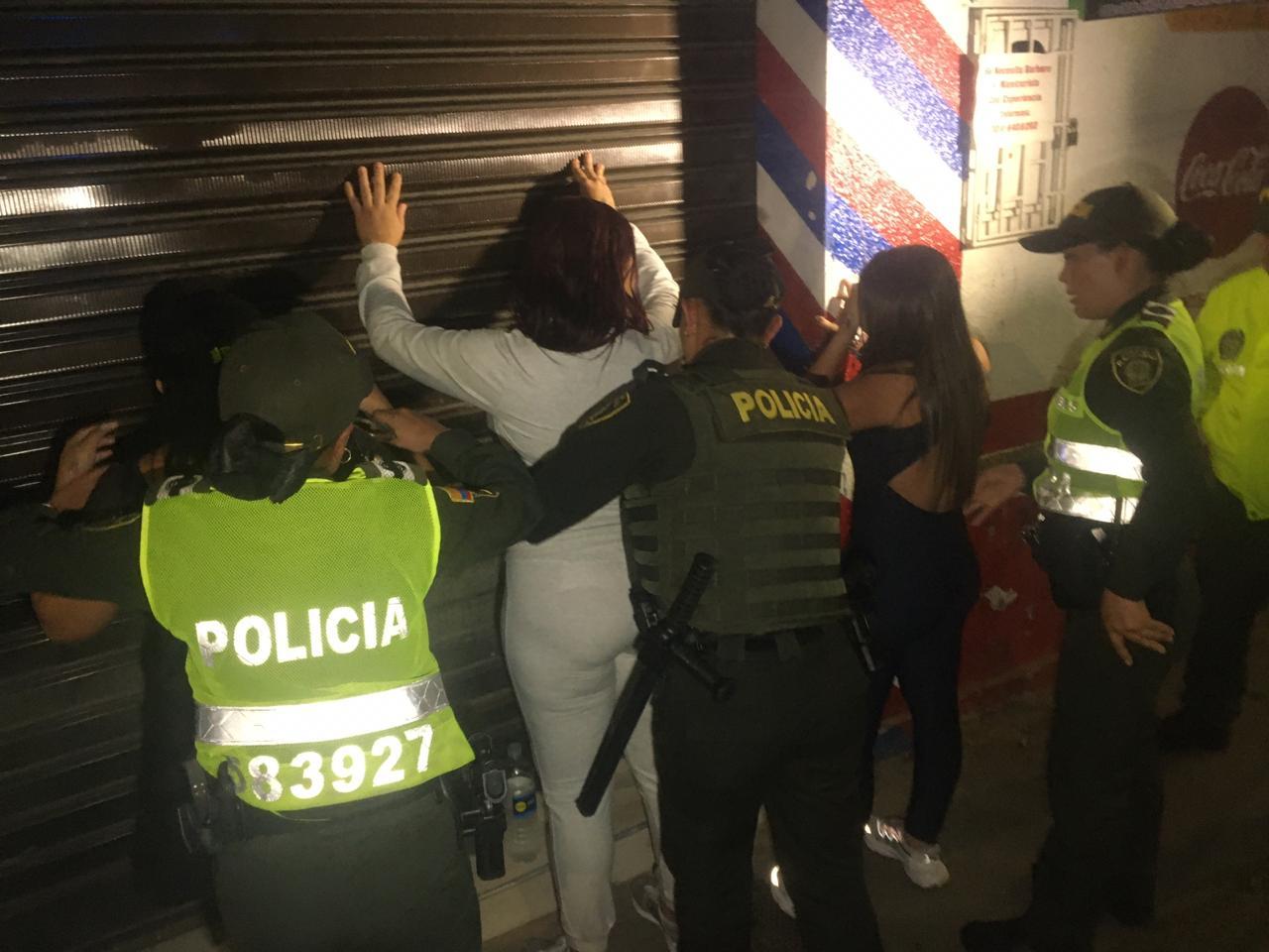 Capturadas 4 mujeres que hurtaban a borrachos y extorsionaban a trabajadoras sexuales | Justicia | EL FRENTE