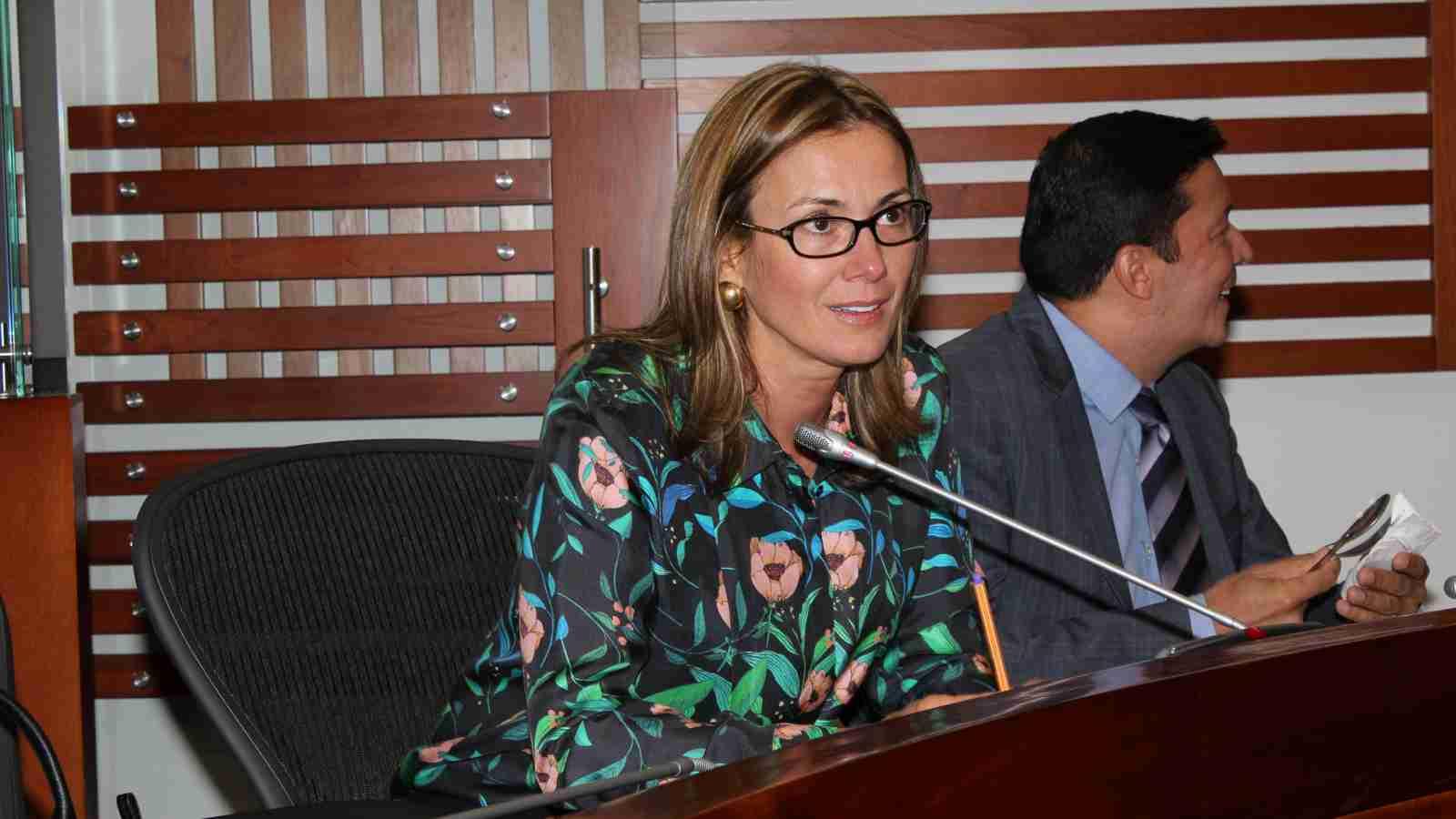 Renunció Lina María Barrera al Concejo Municipal de San Gil | EL FRENTE