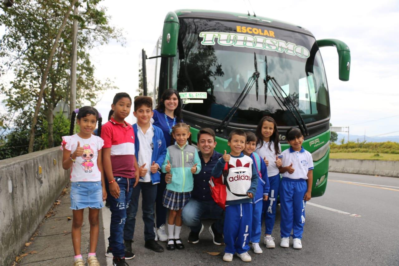 En Floridablanca iniciaron año escolar con transporte y alimentación   Floridablanca   Metro   EL FRENTE