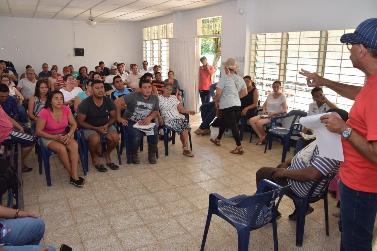 Socializan implementación de autopavimentación. Arreglarán todas las vías en la vereda Los Laureles | Municipios | Santander | EL FRENTE