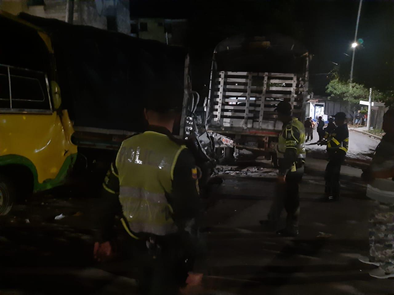Bus sin frenos dejó nueve heridos y múltiples daños materiales en el Norte de Bucaramanga  | Local | Justicia | EL FRENTE