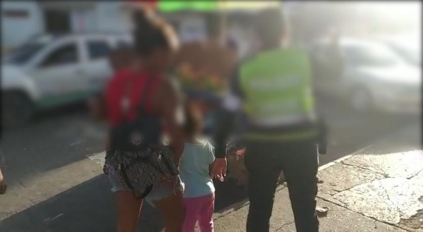 Capturan mujer que inducía  a sus hijos a la mendicidad  | Colombia | EL FRENTE