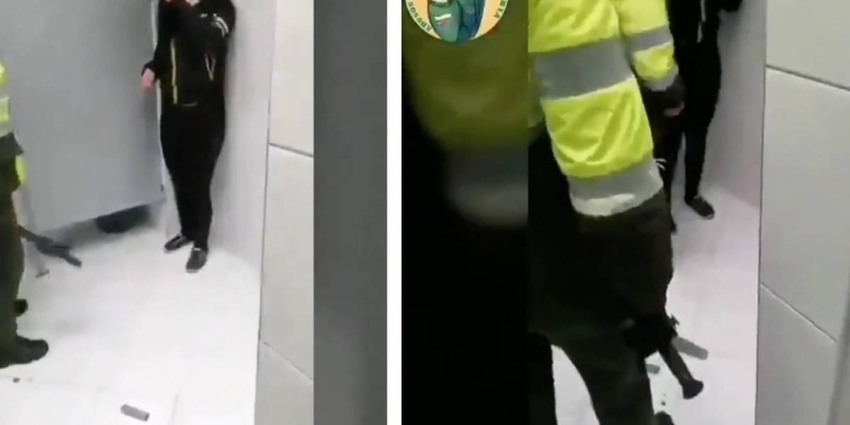 Policías torturan a estudiante en el baño de un portal de TransMilenio   EL FRENTE