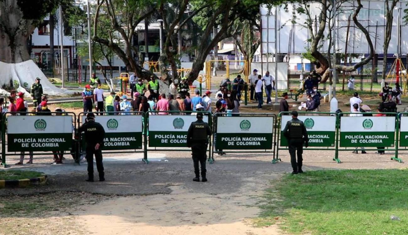 80 venezolanos que iban a saquear tiendas en Bucaramanga fueron deportados | EL FRENTE