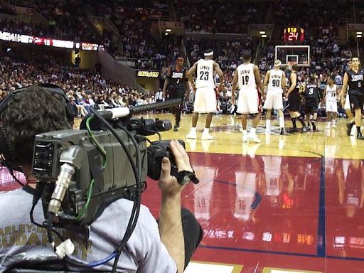 Camarógrafo deportivo tiene coronavirus y está en coma | EL FRENTE