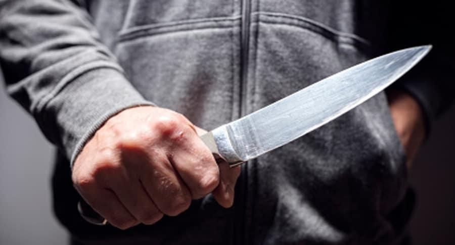 Enfermero del HUS fue herido con arma blanca   EL FRENTE