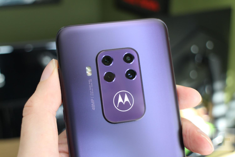 Una, dos, tres o hasta cuatro… ¿para qué sirven cada una de las cámaras de los celulares?  | EL FRENTE