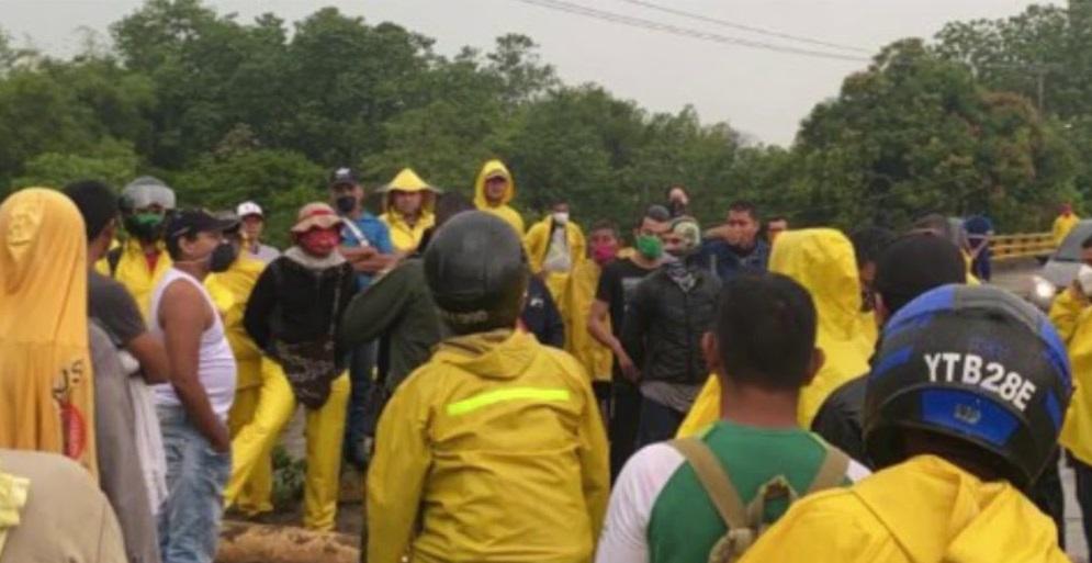 Pobladores bloquearon vía de acceso por temor a la Covid-19 en El Llanito, Barrancabermeja | EL FRENTE