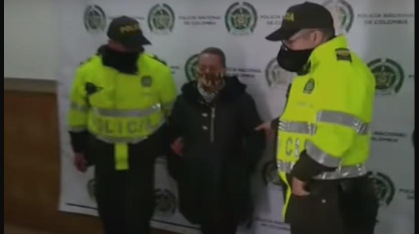 Le pidieron los documentos y resultó con orden de captura | Nacional | Justicia | EL FRENTE